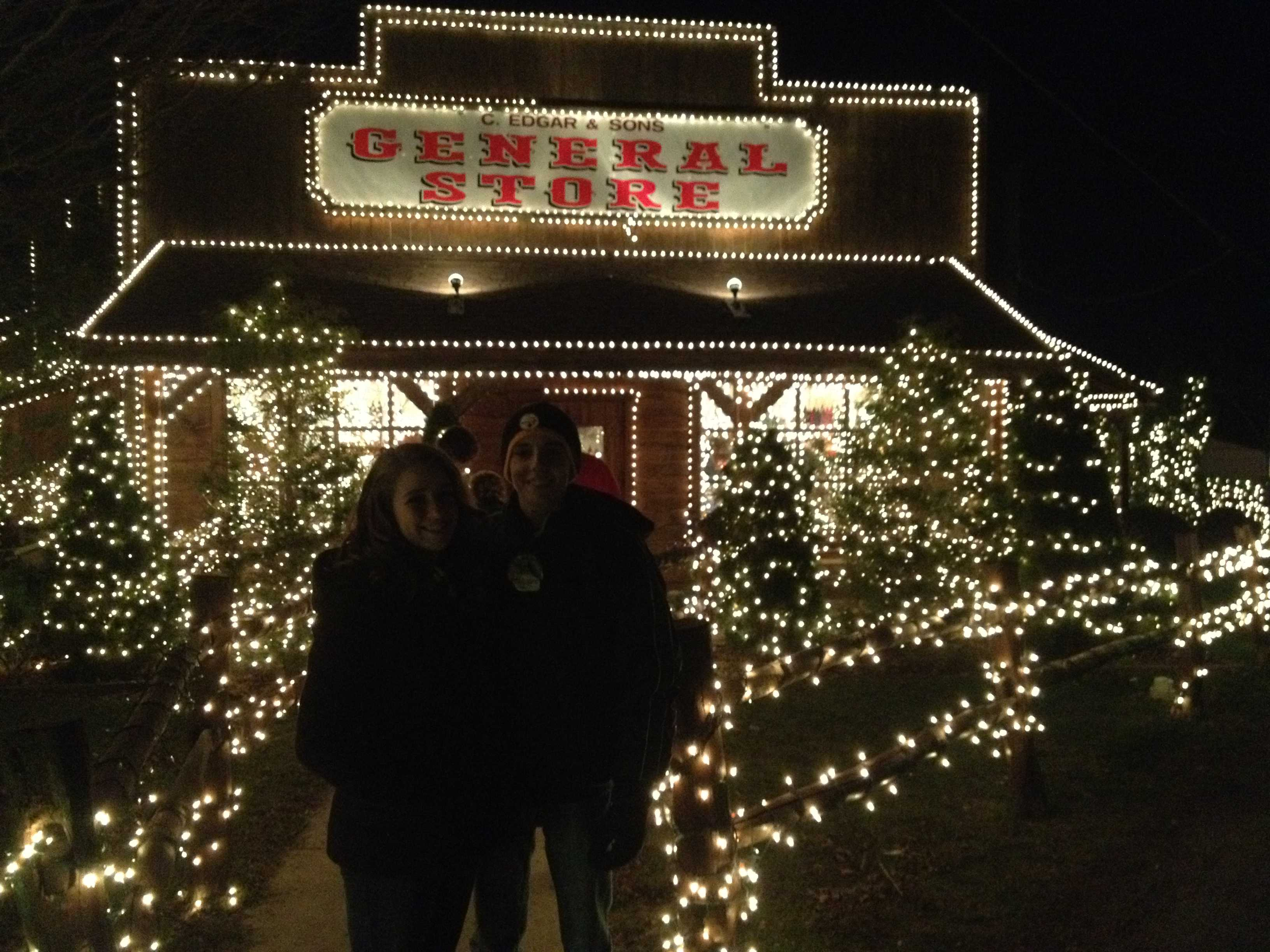 Overlys Christmas Lights.An Evening At Overly S Country Christmas The High Post