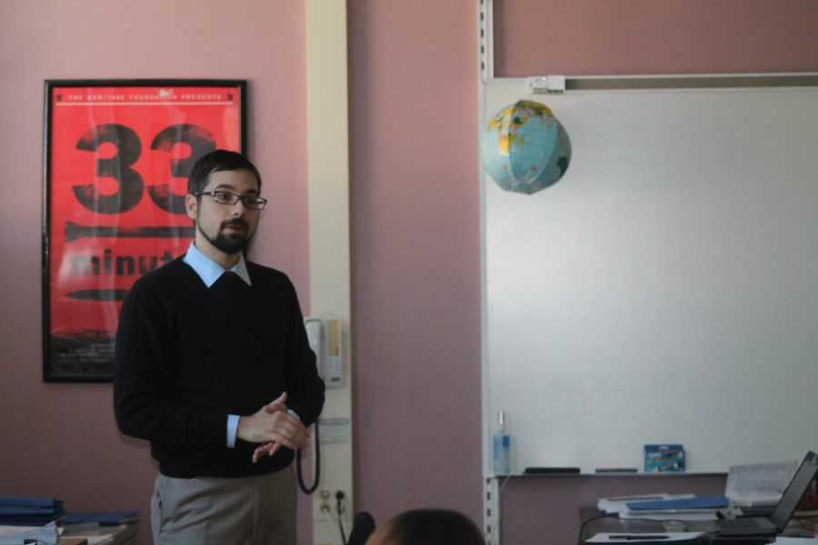 Anthony+Pologruto%2C+a+GIS+Westmoreland+County+worker%2C+talked+to+the+students+taking+AP+Human+Geography+about+the+wonders+of+GIS%2C+a+Geographic+Information+System%2C+on+October+19th.+Pologruto+works+for+the+Westmoreland+county+using+GIS+to+help+the+County+improve+and+has+created+his+own+GIS+website+at+www.wcgis.us.%0A