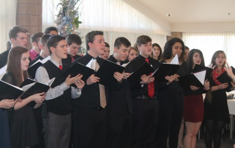 Chamber Choir performs at Rotary Club meeting