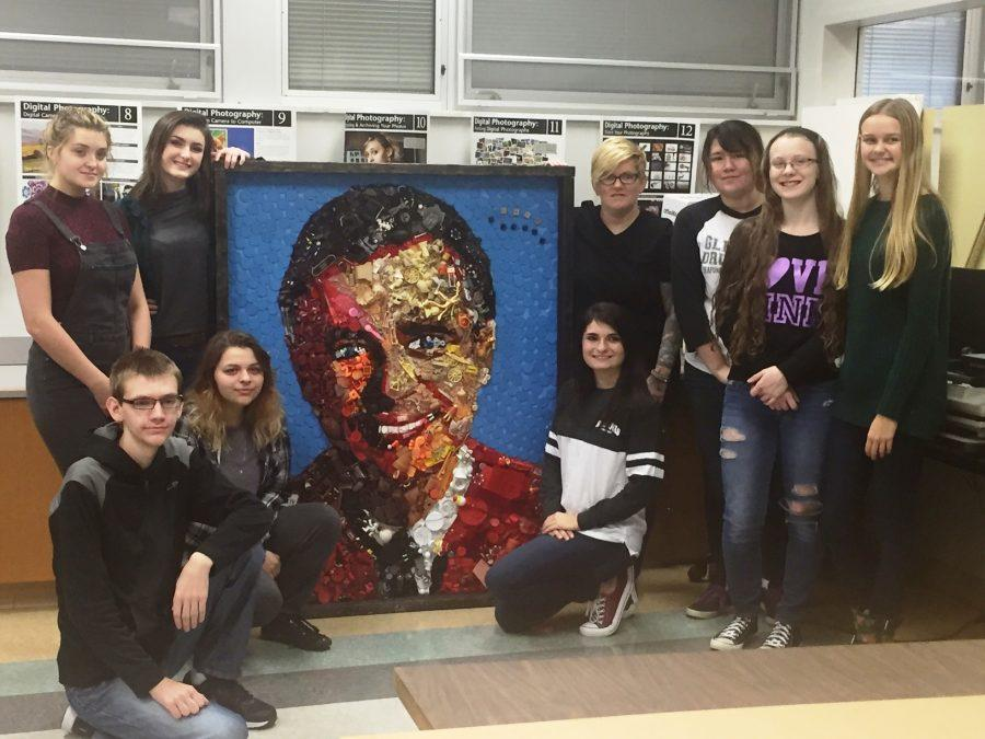 Students from Mrs.Mack's Portfolio Prep class period 1, pose with Fred. Participants include Luke Alexander, Kassidy Slezak, Rachel Garbeglio, (back row) Maddy Hantz, Liz Callahan, Amy Soich, Sarah DeLancey, Arianne Camarote and Lily Currie.