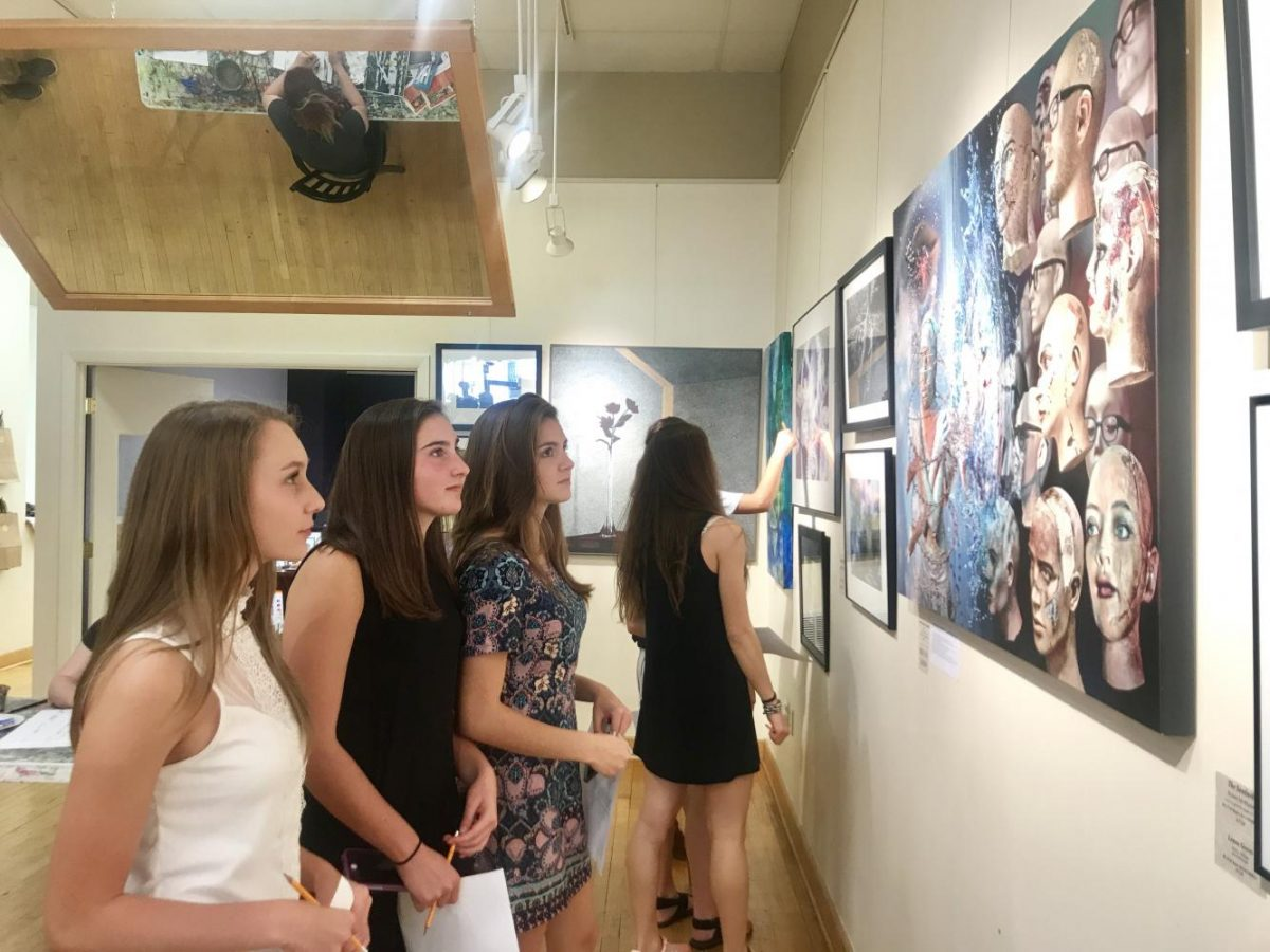 On September 21, 2017, Student Council members visited the Latrobe Art Center for their annual art selection.