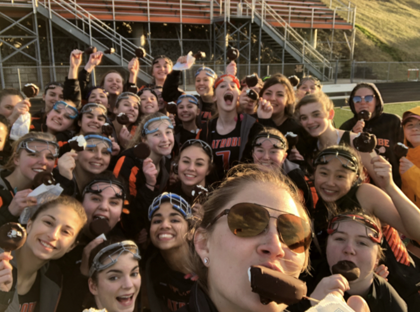 Girls Lacrosse Team Incorporates Virtual Passing During This Pandemic