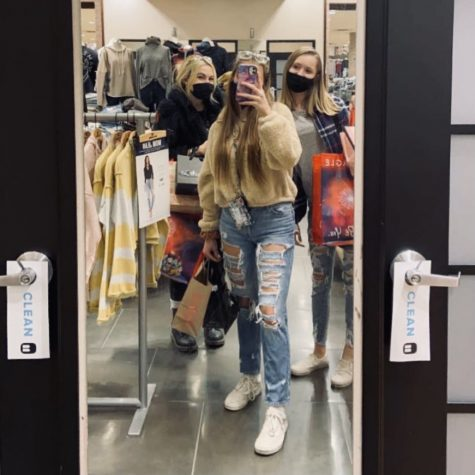 Hannah Klimek, Chloe Willochell, and Daisy Wishard safely partook in Black Friday shopping this year. While shopping on Black Friday with friends is an exciting and fun activity, this year felt and looked a little different.